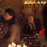 Game of Thrones : Emilia Clarke balance le vrai coupable du gobelet de café oublié