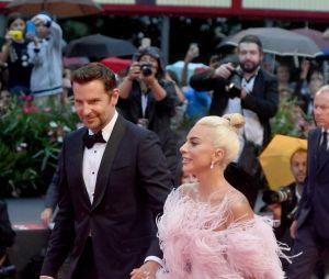 Lady Gaga et Bradley Cooper amoureux ? Elle revient sur les rumeurs