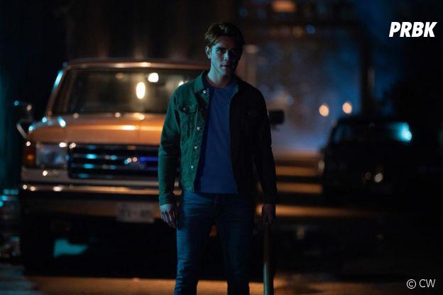 Riverdale saison 4, épisode 9 : Archie (KJ Apa) sur une photo