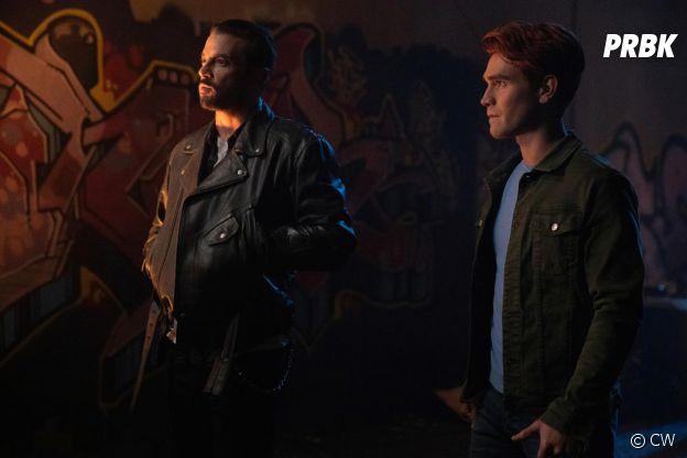 Riverdale saison 4, épisode 9 : Archie (KJ Apa) et FP (Skeet Ulrich) font équipe sur une photo