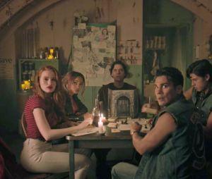 Riverdale, Desperate Housewives, You, The Boys... comment les personnages de séries réagiraient face au confinement