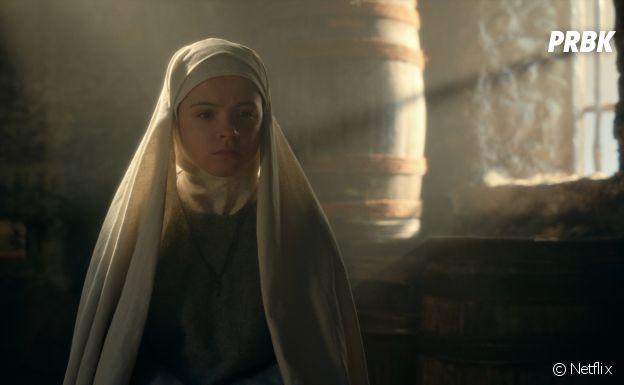 Emily Coates dans Cursed
