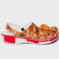 Crocs x KFC : la collab débarque (et les chaussures sentent le poulet)