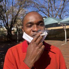 Coronavirus : fumer dans la rue bientôt interdit pour lutter contre l'épidémie ?