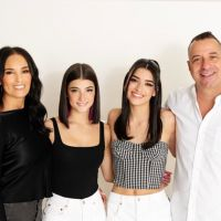Charli D'Amelio, Dixie D'amelio et leurs parents annoncent leur émission de télé-réalité !