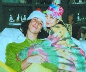 Vanessa Hudgens en couple avec Cole Tucker ? Elle officialise pour la Saint-Valentin