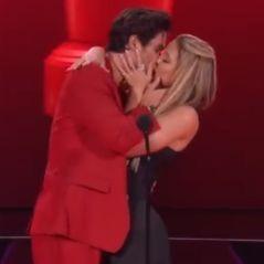Chase Stokes et Madelyn Cline : un bisou sur scène après avoir remporté le prix du meilleur baiser