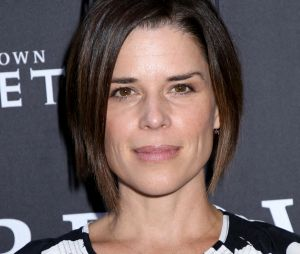 The Vampire Diaries : Neve Campbell a failli jouer Isobel