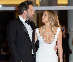 Ben Affleck dans la bande-annonce de Zack Snyder's Justice League : en couple avec Jennifer Lopez, il lui fait une belle décla