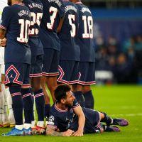 """Lionel Messi : son 1er but royal avec le PSG et sa petite """"sieste"""" en plein match enflamment le web"""
