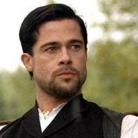 Brad Pitt ... bientôt chanteur ... dans la peau de John Lennon