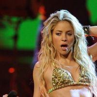 Shakira avec Nikos sur NRJ ce matin ... pour parler des NMA 2011