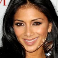Nicole Scherzinger ... le buzz Johnny Holiday (VIDEO)