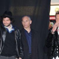 Johnny Hallyday ... Loin d'être seul sur les Champs-Elysées pour la sortie de son nouvel album