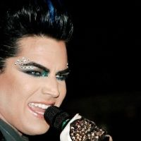 Adam Lambert... bourré, il gâche l'anniversaire de Lady Gaga