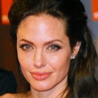 Angelina Jolie... un nouveau tatouage d'amour pour Brad Pitt