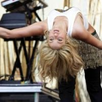 Shakira ... VIDEO BUZZ : Sa bague volée en plein concert