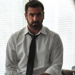 Eric Cantona voit rouge et s'agace (VIDEO)