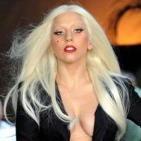 PHOTOS - Lady Gaga : tout en décolleté à Los Angeles