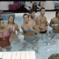 Secret Story 5 : les garçons se travestissent pour un bain de minuit