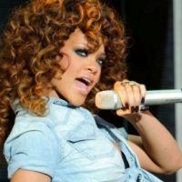 Rihanna radieuse et pas trash : ses vacances en France sur la Côte d'Azur (PHOTOS)