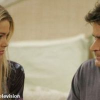 Mon Oncle Charlie : Denise Richards refuse d'assister à l'enterrement de Charlie Sheen