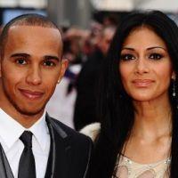 Nicole Scherzinger : Lewis Hamilton adore lui piquer ses tenues en latex