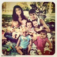 Justin Bieber et Selena Gomez parents ... le temps d'une photo
