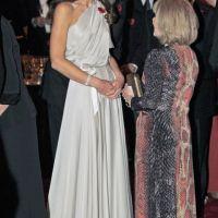 Kate Middleton sublime et souriante avec William ... dans une robe ample (PHOTOS)