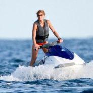 George Clooney et Stacy Keibler : la bombe sous le soleil, l'acteur au repos forcé (PHOTOS)