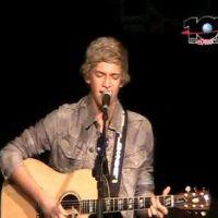 Cody Simpson : en studio ... il prépare un duo avec Justin Bieber