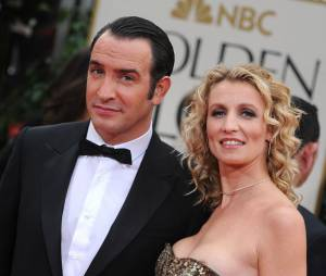 Jean Dujardin et Alexandra Lamy sur le tapis rouge des Golden Globes.
