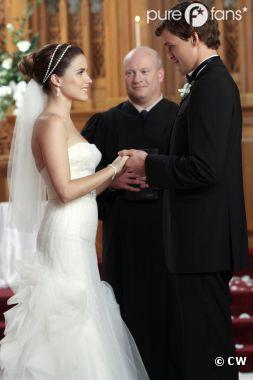 Julian et Brooke se marient dans Les Frères Scott