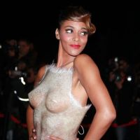 NRJ Music Awards 2012 : Shy'm et sa robe transparente affolent le tapis rouge (PHOTOS)