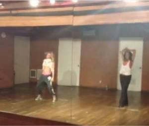 Vanessa Hudgens et Ashley Tisdale dansent sur Run the World de Beyoncé