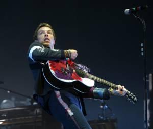 Chris Martin en solo à la guitare