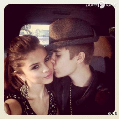 Justin Bieber fait un ptit bisou à Selena Gomez