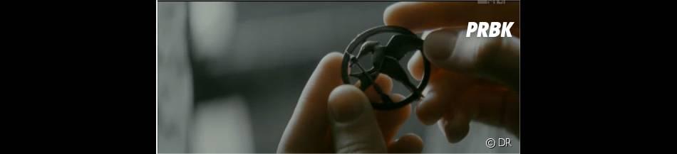 Le logo d'Hunger Games dans le clip Safe & Sound