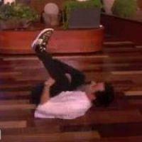 Jennifer Aniston : son mec Justin Theroux se prend pour Chris Brown (VIDEO)