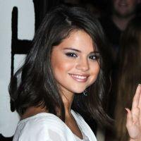 """Selena Gomez en interview fashion : """"j'ai plus de 50 paires de chaussures !"""""""