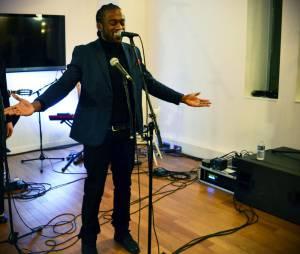 """NJ lors de son showcase chez Sony Music pour présenter son EP """"Le Calme avant le Tempo"""""""