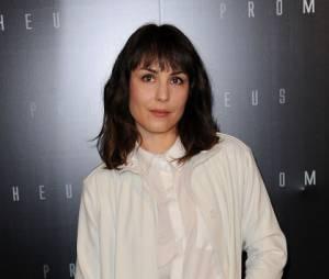 L'actrice suédoise Noomi Rapace tout en blanc à Paris