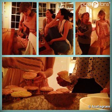 Selena Gomez et Taylor Swift préparent des cupcakes entre amies