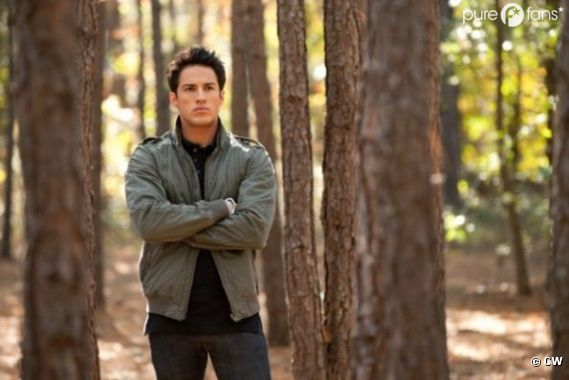 Michael Trevino jouera Klaus dans la saison 4 de Vampire Diaries