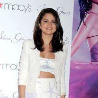 Selena Gomez trop sexy et radieuse pour le lancement de son parfum (PHOTOS)