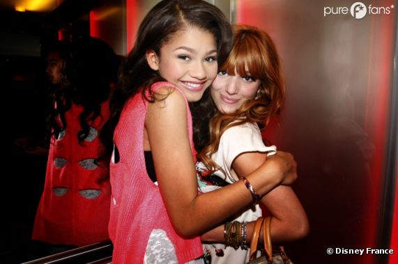rencontre bella et zendaya Zendaya coleman's hair is causing a stir once again the singer debuted a fresh pixie-cut wig at sunday's bet awards, but not everyone was a fan of the replay singer's new look in fact, many criticized the 18-year-old, but she didn't stay silent through all of the hate when people don't like.