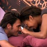 Secret Story 6 : Thomas et Ginie, enfin du concret sous la couette ? (VIDEO)
