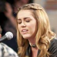 Miley Cyrus : Elle rend visite à des enfants pour une émission