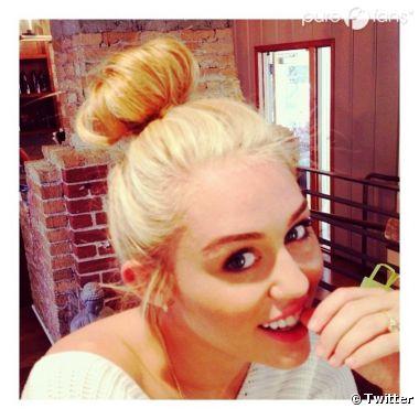 Miley Cyrus en blonde platine !
