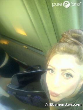 Lady Gaga change de look !